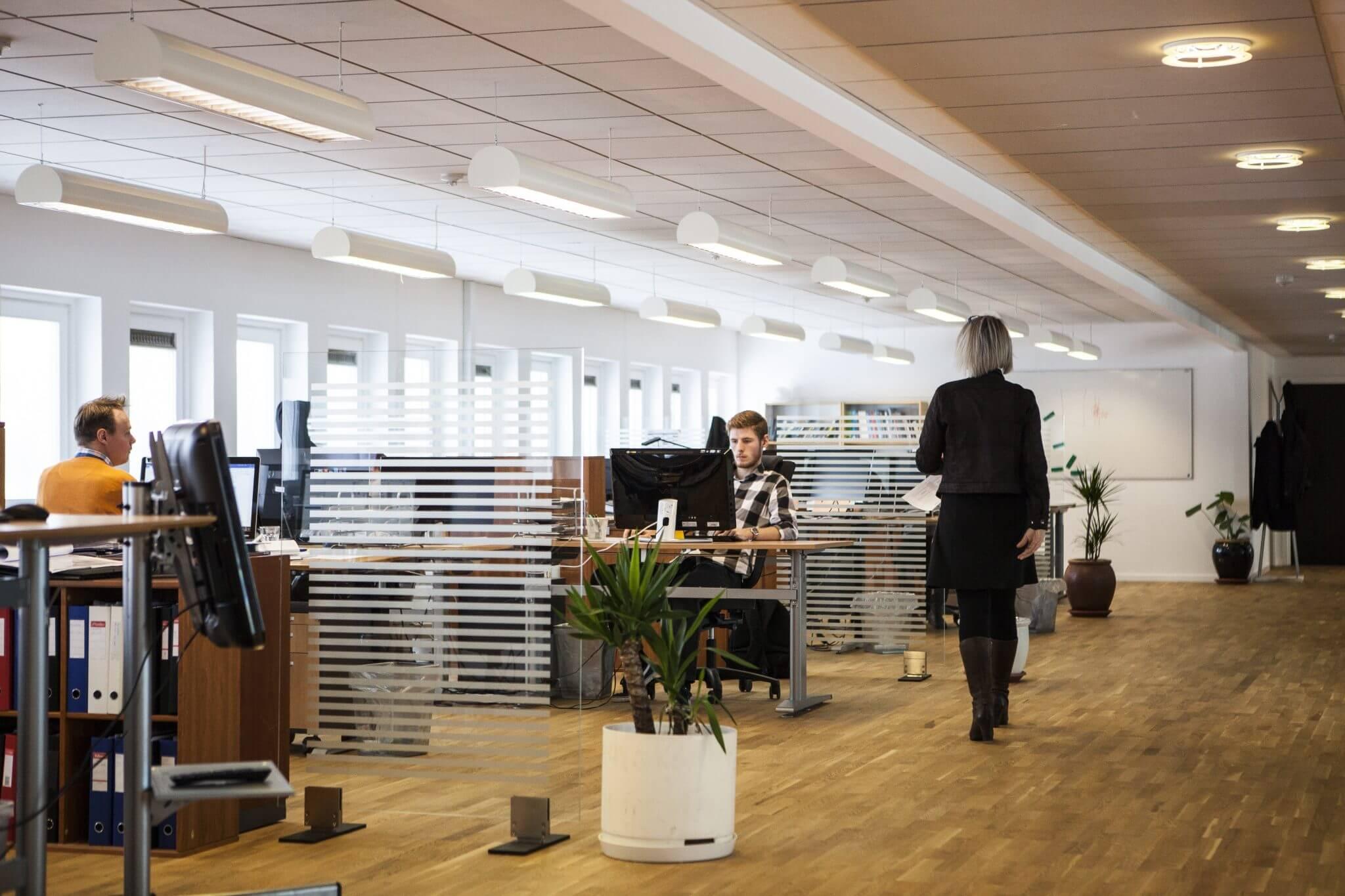 bedriftsflytting, kontorflytting, flyttefirma, flyttefirma sandnes, flytting lagring, renholdstjenester.